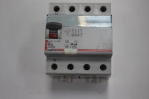 Differential Switch